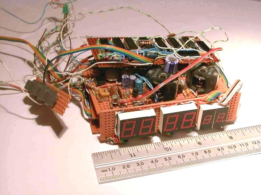 You are browsing images from the article: Radio controlled clock