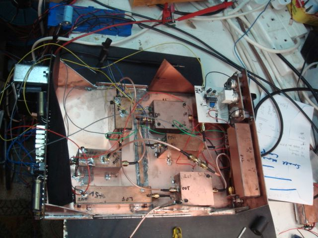 You are browsing images from the article: Spectrum Analyser by Mike Boyden
