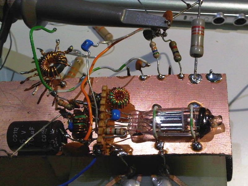 You are browsing images from the article: Sub-mini valve vfo